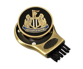 Newcastle Gruve Brush and Ball Marker